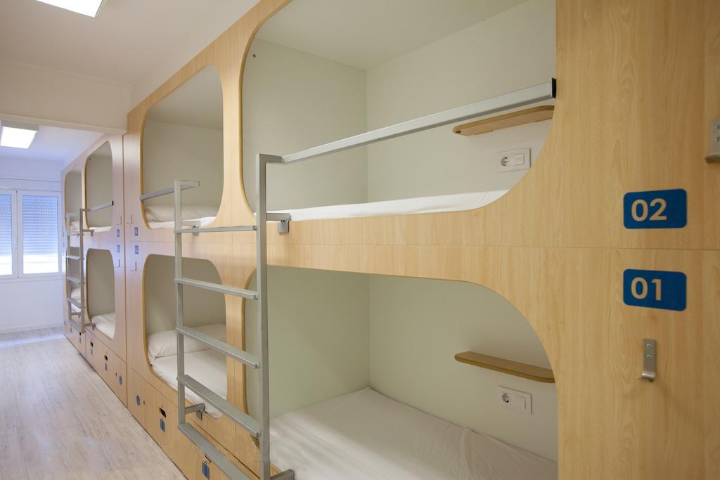 Двухъярусная кровать для хостела с эксклюзивным дизайном